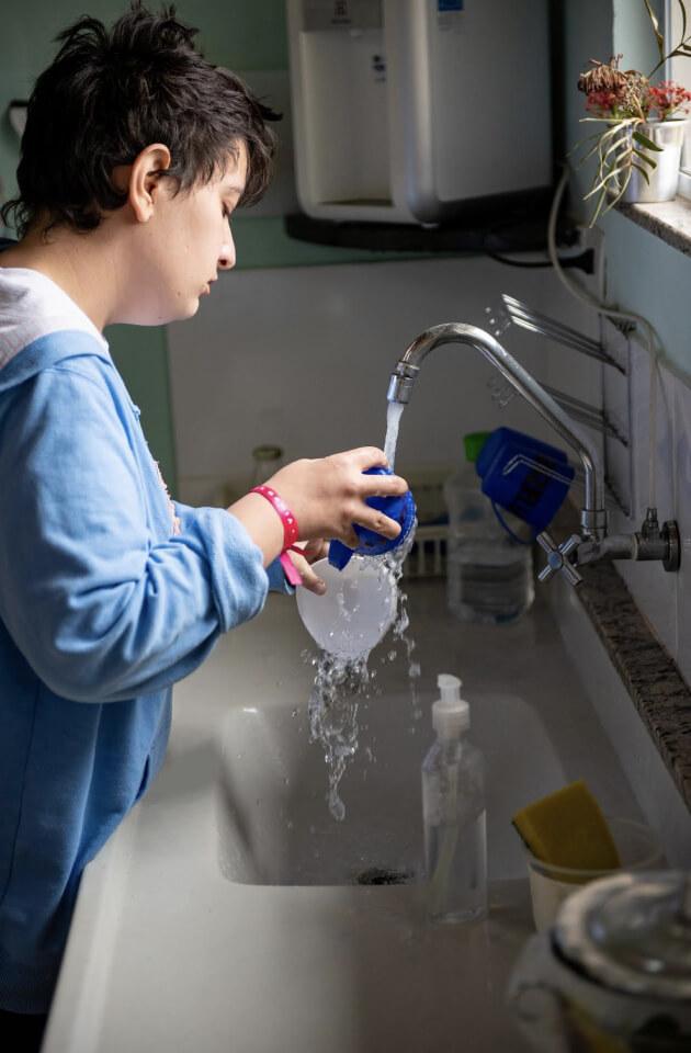 Rotina lavar louça